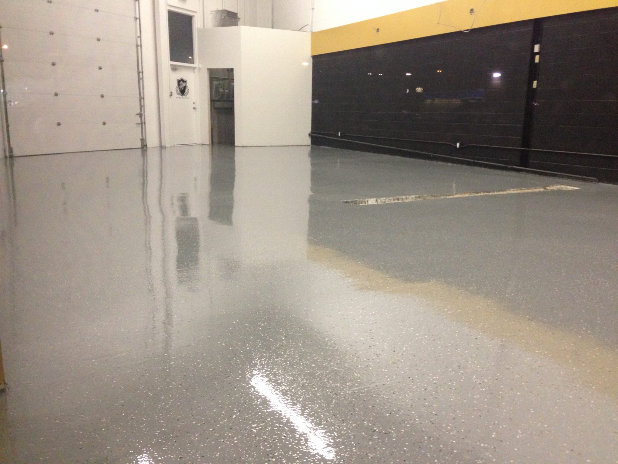 Epoxy terrazzo granite style flooring top floor epoxy for 100 solid epoxy garage floor